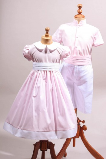 tenue de cortège chic rose clair et blanc