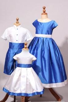 Cortège d'enfant d'honneur bleu et blanc en soie