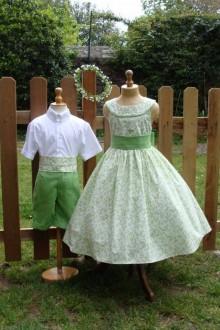 Tenue de cortège vert et blanc tissu fantaisie