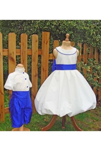 Cortège de mariage blanc et bleu roi chic