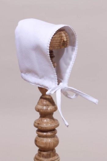 Bonnet blanc de baptême pour bébé