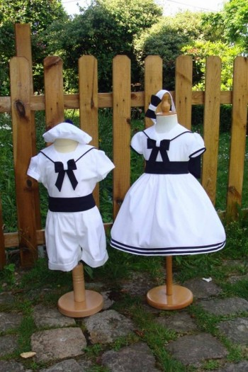 Costume petit marin blanc et bleu marine