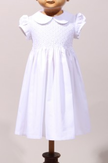 Robe de baptême à smocks pour fille